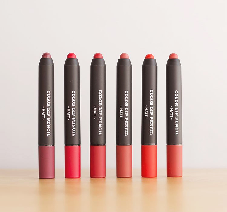 APIEU_Color_Lip_Pencil_HitAndMiss_04.jpg